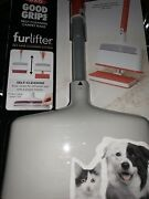 Grips Furlifter Self-cleaning Carpet Rake And Pet Hair Remover Double-sided Brush