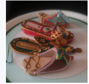 Vintage Wall Hanging Shoes With Thermometer Lot Of 4