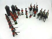 Vintage 60's Group Of 25 Metal Britains Toy Soldiers And 2 Guard Houses + Extras