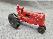 Slik Toys Minneapolis Moline R Tractor With Man Red 1/25