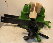 Large Wood Carvers Vise - Jaws Can Swivel To Hold Odd Shapes - Opens 5 1/2