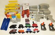 Lionel Little Lines Freight And Hershey's Train Set 98 Pieces, Extras
