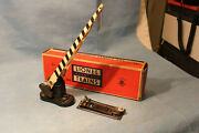 Lionel O Gauge No.252 Automatic Crossing Gate With 145c Control And Box