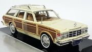 Motormax 1/24 - 1979 Chrysler Lebaron Town And Country Crm Diecast Model Car
