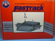 Lionel O Scale Fastrack - Grade Crossing With Working Flashers