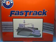 Lionel O Scale Fastrack - Grade Crossing Gates With Working Flashers