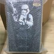 Star Wars Stormtrooper New Unused First Order / Hot Toys 1/6 Figure 63