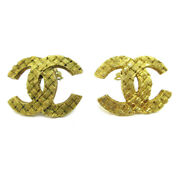 Cc Logos Charm Quilted Earrings Clip-on Gold-tone Accessories 2913 60520