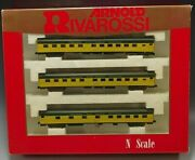 Rivarossi Chicago And North Western Set Of 3 Passanger Cars N Scale Mib