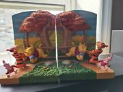 Rare Collectible Winnie The Pooh And Friends 3d Bookends