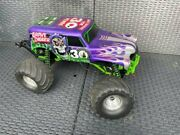 Traxxas Grave Digger 30th Anniversary 1/10 Scale Monster Truck + Accessoires