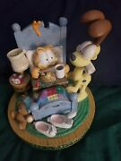 Garfield Oh What A Beautiful Morning Music Box Great Condition