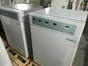 Vwr Sheldon 2475 Co2 Water-jacketed Incubators Pair Top And Bottom