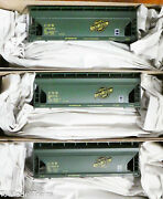 Accurail Ho 8132 3-pack Chicago And North Western 2-bay Acf Covand039d Hopper