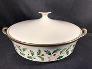New Lenox Holiday Dimension Covered Casserole Vegetable Dish Holly Berry