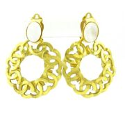 Auth Gold Shell White Hardware Shell Clip On Earrings