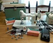 Singer Featherweight 221k White Sewing Machine Quilter W/ Case And Access 13608