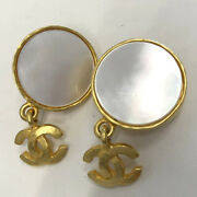 Previously Owned Vintage White Shellswing Coco Mark Earring Gold No.5400