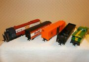 Ho Scale Bachann Norfolk And Western Diesel Locomotive W/3 Cars And Caboose