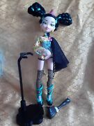 Bratzillaz House Of Witches Victoria Antique C/w Stand 523567m 28313ege Mga 2012