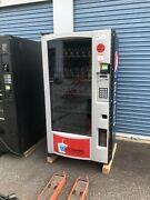 Nice And Clean Royal Rvv500 Glass Front Soda / Drink Vending Machine With Arm