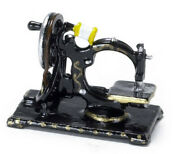 1/ 12scale Dolls House Miniatures Old Fashioned Sewing Machine Ma2259