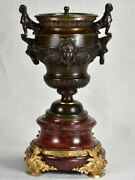 Rare Gilt Bronze And Marble Oil Lamp With Lionand039s Heads And Sphinx - Early 19th C