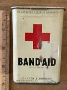 Vtg Band Aid Tin Johnson And Johnson New Jersey And Chicago 36 Assorted Band-aid Usa
