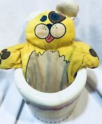 Vintage Playskool Toy Antique 1974 Dog Cat Puppet Box Cylinder Pop Up Push Out