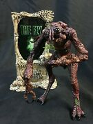 Movie Maniacs The Fly With Sign, Loose Action Figure