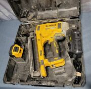 Dewalt Concrete Nailer Dcn890p2 Brushless 20v W/ 5.0ah Battery And Charger W/ Case