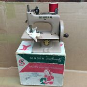Vintage Singer Sewhandy Model 20 Childand039s Sewing Machine And Box