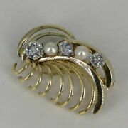 Retro Modern Gold Brooch With Brilliant In Abstract Flower Shape 1940er Years