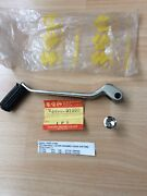 Suzuki Gt750 J/k 72-73 Nos Gear Lever Assembly Pt 25600-31000 With Andlsquo S Andlsquo Rubber
