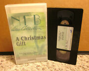 A Christmas Gift National Film Board Canada Vhs Cartoons Vhs Great Toy Robbery