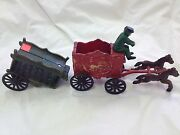 Vintage Cast Iron Circus Wagons And Horse Collectibles 8 Long 4 Pieces