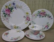 5 Pieces Place Setting Royal Doulton Arcadia Flowers Scalloped Border England