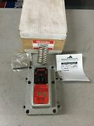 New In Box Chromalox Explosion Resisting Thermostat Wr-80ep Pcn 266125