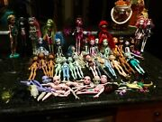 Monster High Huge Lot 34 Dolls And150+clothes 30+pairs Of Shoesfurniture Andmore