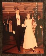 Tricia Nixon Cox Signed 8 X10 Photo Autographed President Richard And Pat Daughter