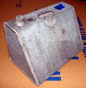 Antique 1920and039s 1930and039s Galvanized 2/gal Soldered Water Oil Fuel Tank Trunk Can
