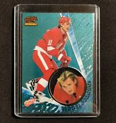 1997-98 Pacific Invincible Ice Blue Sergei Fedorov Detroit Red Wings 46