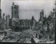 1944 Press Photo St. Pierre Church Standing Amid The Ruins Of Caen, France
