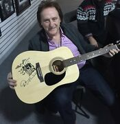 Denny Laine Signed And Played Autographed Guitar Mccartney Moody Blues Photo Proof