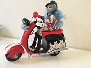 Monster High Ghoulia Yelps And Scooter Exclusive Doll W/ Pet Hoots Playset