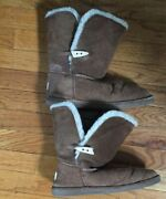 Bearpaw Women's Brown Suede Toggle Button Short Sherpa Lined Boots Size 9