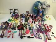 Monster High Dolls Huge Lot Of 20 Accessories And Peri And Pearl Styling Head