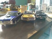 Pontiac Gtos 118 Scale Three Die-cast Model Cars Used With Acrylic Case