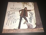Neil Young And Crazy Horse Signed Everybody Knows This Is Nowhere Lp Album Proof