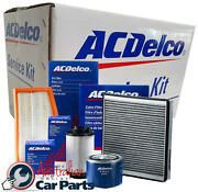 Oil Air Cabin Filters And Spark Plugs Service Kit For Holden Commodore Vf 6.0 6.2l